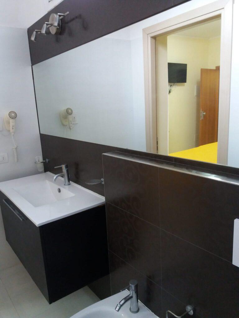 Hotel-Cuba-Rimini-Camera-Confort-02
