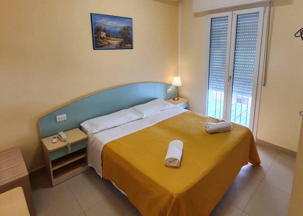 Hotel-Cuba-Rimini-Camera-Deluxe-1400x1000-1