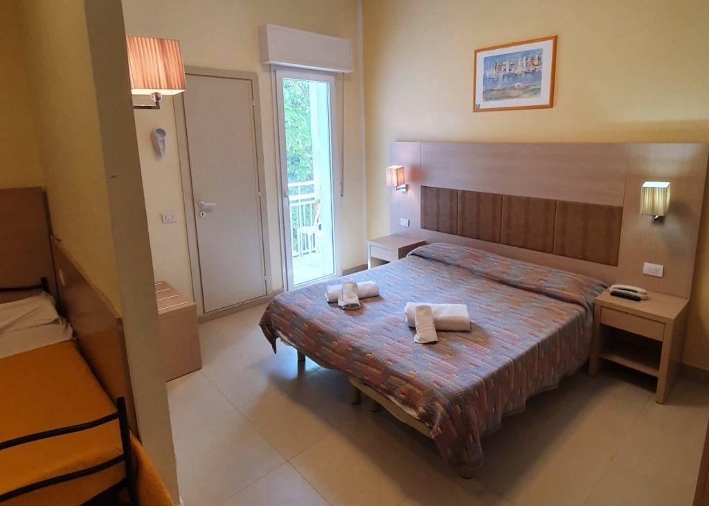 Hotel-Cuba-Rimini-Camera-Superior-Foto-1400x1000-1